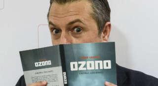 'Ozono' es la nueva novela de Tirso Calero