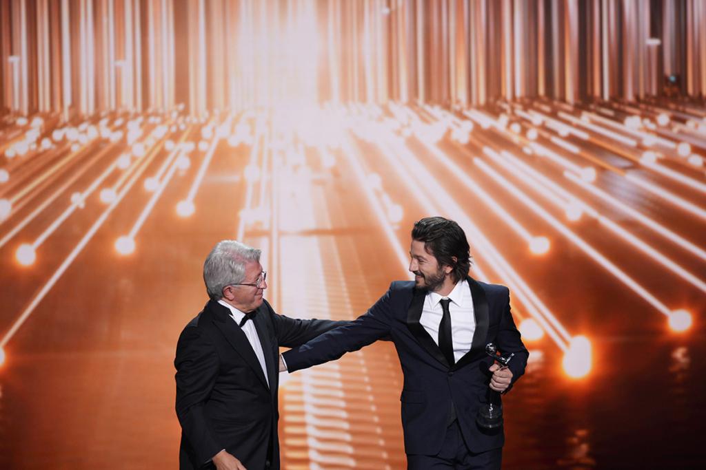 Enrique Cerezo y Diego Luna - Premios Platino